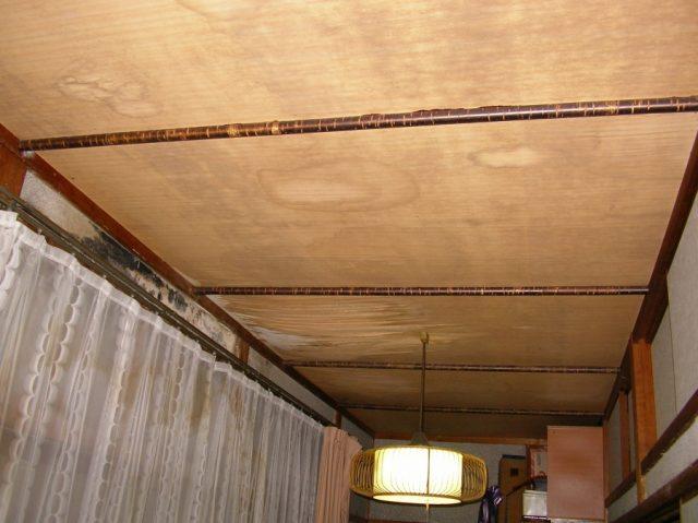 鹿児島県日置市雨漏れ部分天井の様子