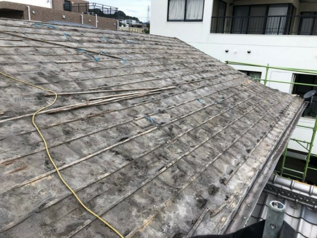 屋根の葺き替え工事 撤去
