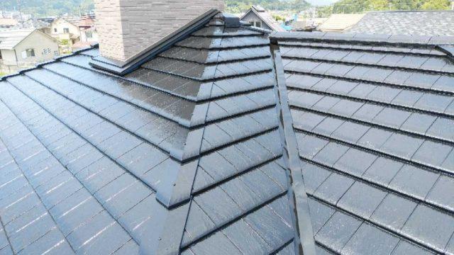 【鹿児島・宮崎】スレート屋根の住宅で屋根塗装を黒系の色でおこないました!完成