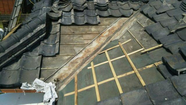 屋根 部分補修工事 瓦撤去