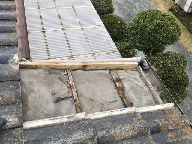 雨漏れ補修工事の様子