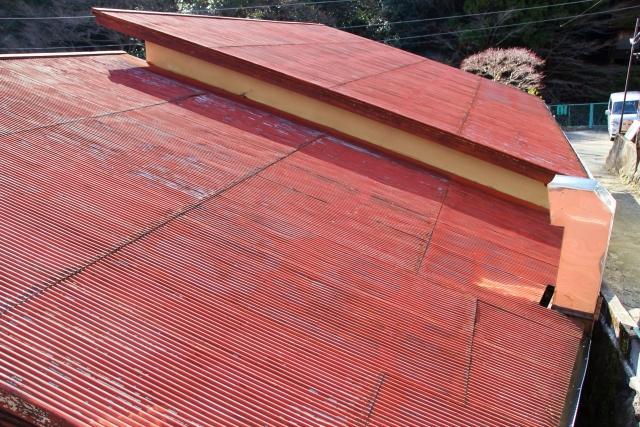トタン屋根の雨音防止策