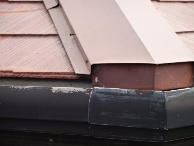 スレート屋根 板金