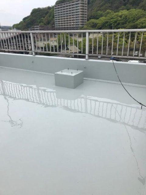 ウレタン防水 上塗り塗布