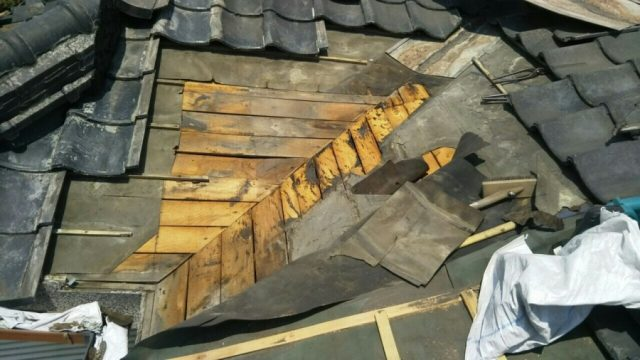 屋根部分補修 腐食部分