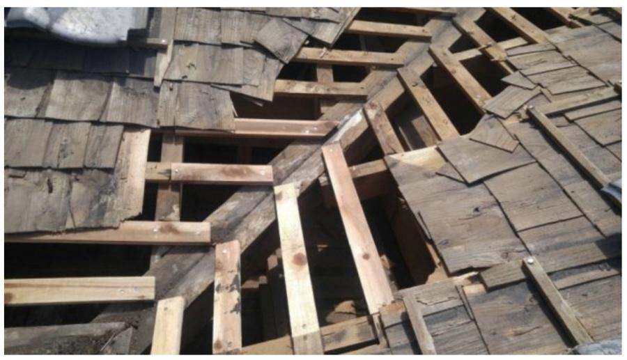 屋根の谷の骨組み詳細
