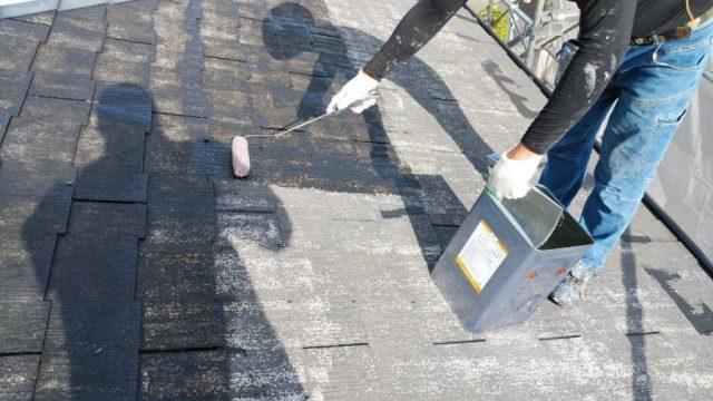 鹿児島市の屋根塗装の様子