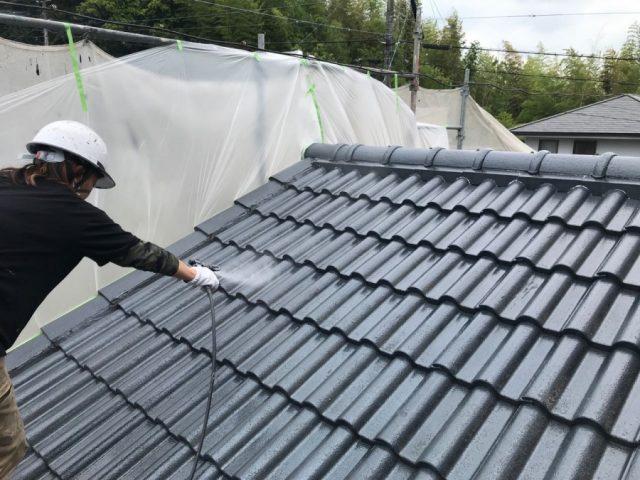 セメント屋根下塗り