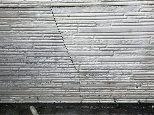 外壁割れ 塗装時期