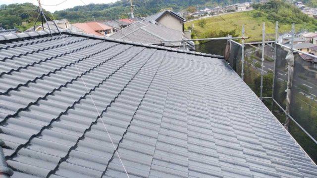 屋根塗装完成の様子