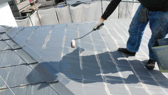 鹿児島市屋根塗装 色付けの様子