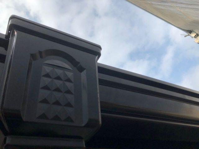 【鹿児島県霧島市】隼人町にあるアパート3棟のうち、C棟で屋根・軒天・雨樋の塗装をおこないました!雨樋上塗り