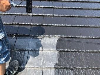 鹿児島市屋根塗装中塗りの様子