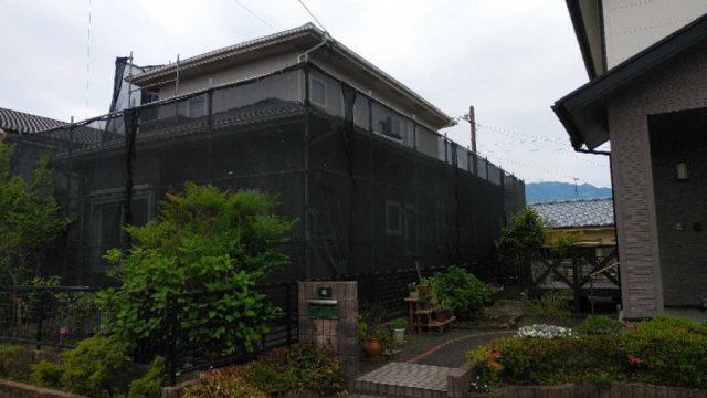 【鹿児島・宮崎】スレート屋根の住宅で黒系の色で屋根塗装をおこないました!足場