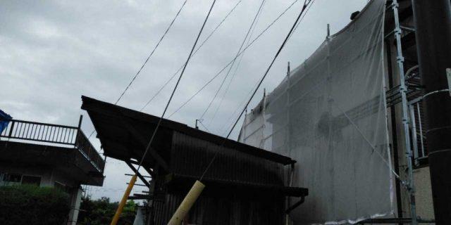 【鹿児島県曽於郡】大崎町にある住宅で足場の設置と養生、軒天塗装の様子を紹介します!養生