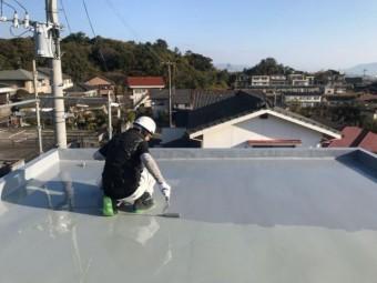 屋上防水工事中の様子