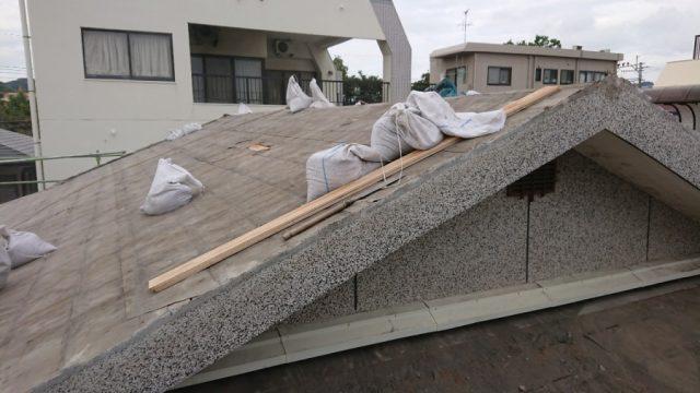鹿児島市屋根の葺き替え工事 撤去の様子
