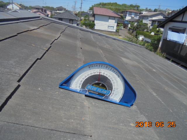 台風災害調査の屋根勾配計測