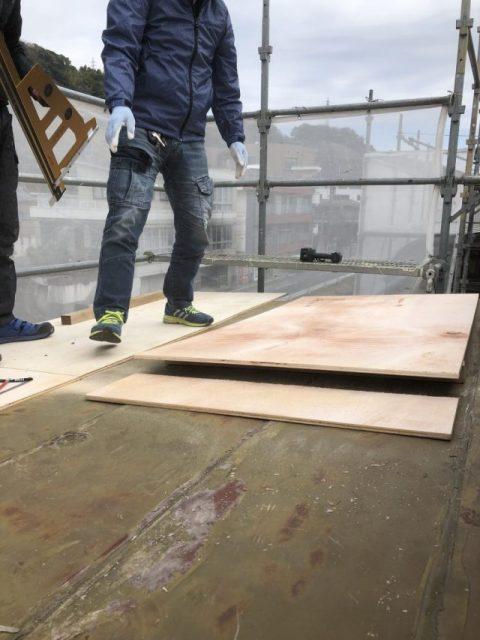 鹿児島市で板金屋根・サンルームからの雨漏れ補修工事を行いました。