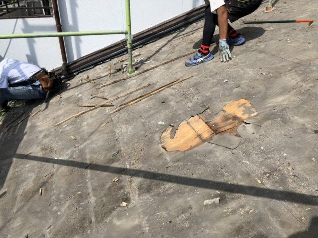 鹿児島市葺き替え工事の様子