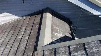 屋根棟板金の様子