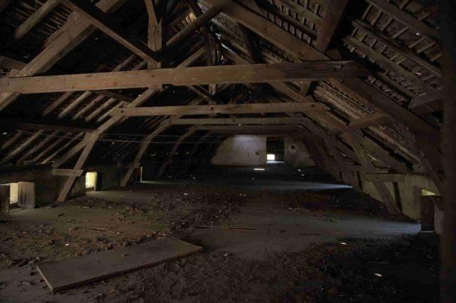 屋根裏部屋 梁の役割とは