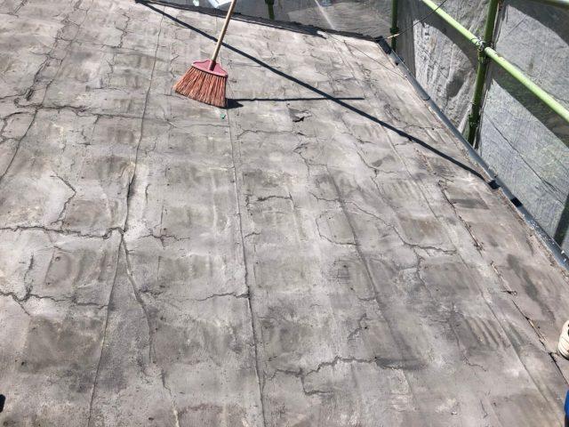 鹿児島市屋根の葺き替え工事の様子