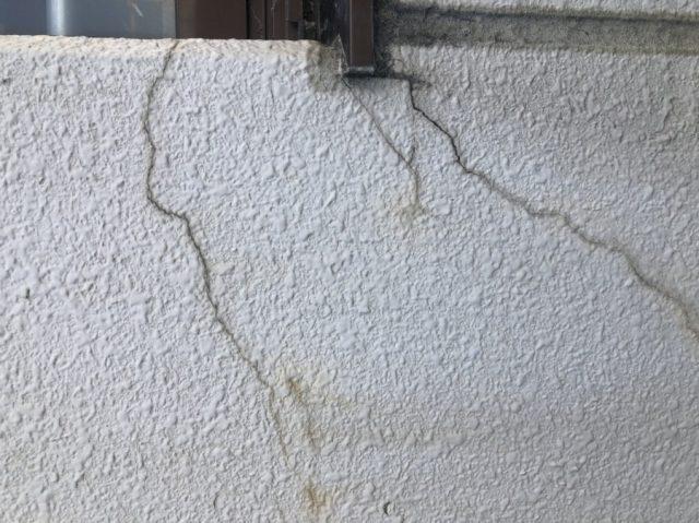 宮崎市の外壁ひび割れの様子