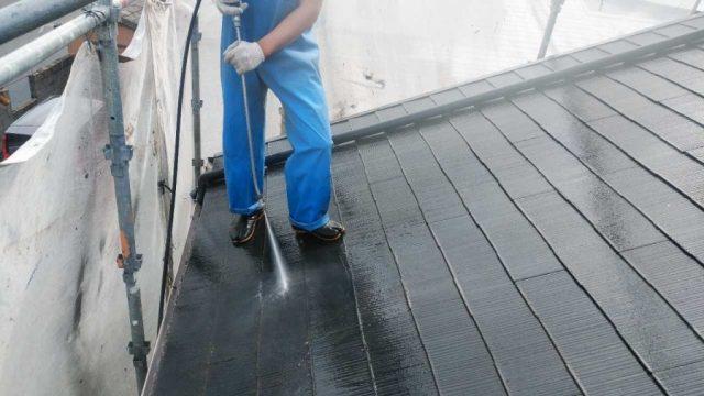 鹿児島市の屋根塗装工事の様子