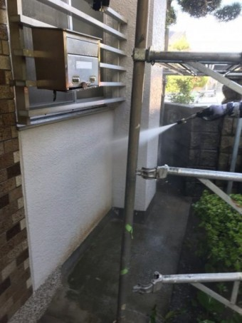 高圧洗浄洗い流し 外壁