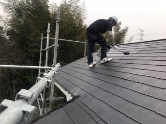 屋根中塗り塗装