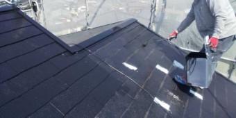 鹿児島市屋根塗装工事上塗り1回目の様子