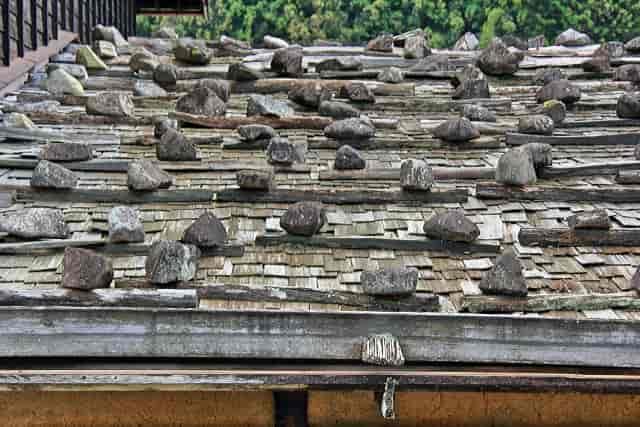 屋根 石置き