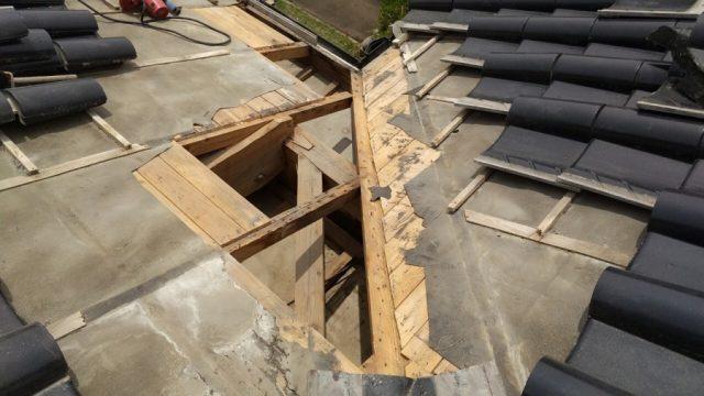 薩摩川内市の雨漏れ補修工事の様子