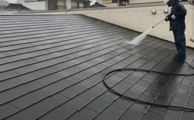 鹿児島市屋根塗装工事 高圧洗浄の様子