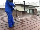 鹿児島市 屋根塗装高圧洗浄の様子