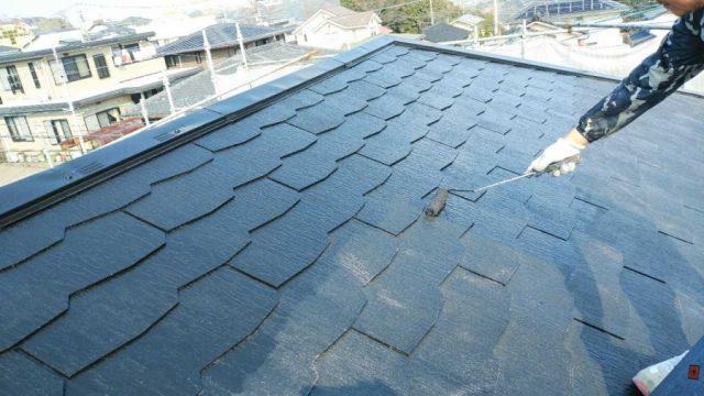 屋根塗装工事と外壁塗装工事は同じがいい?