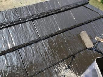 鹿児島市屋根塗装工事上塗りの様子