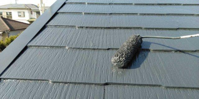 【鹿児島県鹿屋市】串良町にある縦長が特徴の住宅でコロニアル屋根の下塗りまでおこないました!屋根上塗り