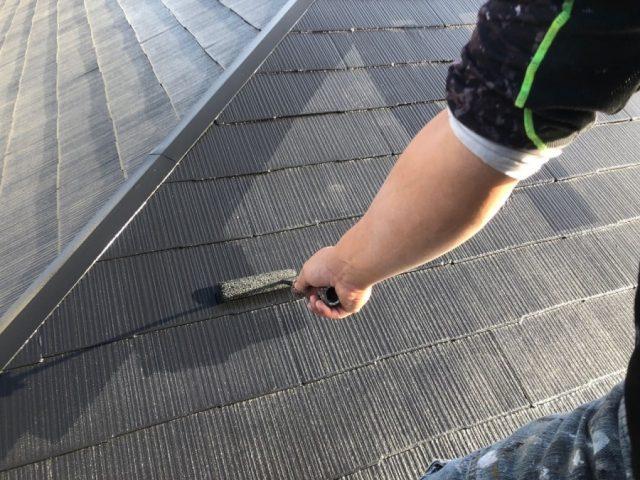 【鹿児島県霧島市】隼人町にあるアパート3棟のうち、B棟で屋根・軒天・雨樋の塗装をおこないました!上塗り