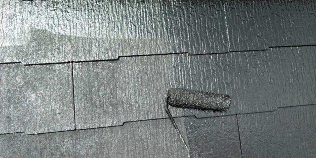 【鹿児島県曽於郡】大崎町にある住宅で屋根塗装の様子を紹介します!上塗り