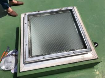 鹿児島市天窓のドームの取替