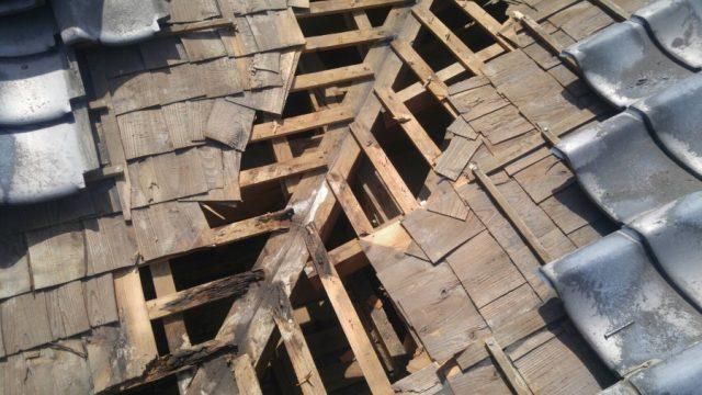瓦谷部分垂木の傷み