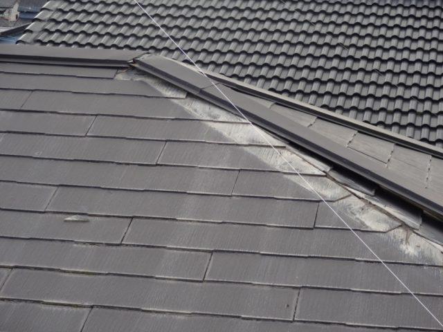 屋根板金の剥がれ