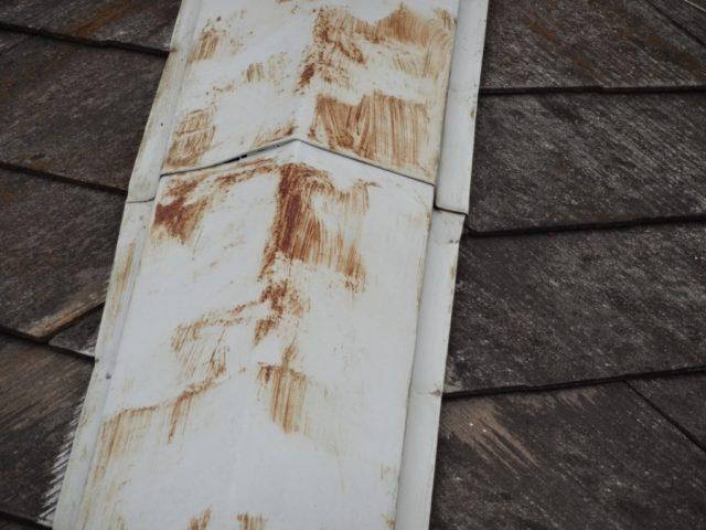 コロニアル屋根棟板金錆発生